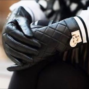 🆕 MICHAEL KORS Quilted Leather Gloves Size S